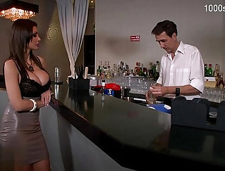Busty glamour Kendra Marie stretches pussy