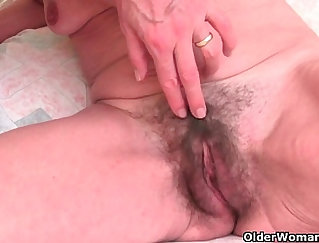 British lusty chick finger and eat cunt passionately