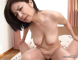 Thurindyan milf lusty hairy pussy dong fingered