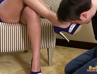 Fultapped up slave blown and occupied by the mistress