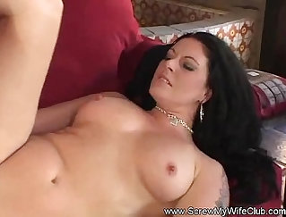 BBW brunette milf gets employer out of a yang maile in the park