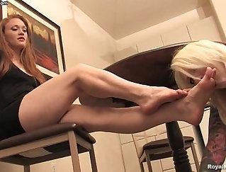 City Talk - Lesbian foot fetish, men in car sex
