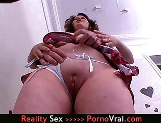 Amateur Girl In French Couds Horny Dance