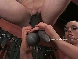 Blonde Mistress Fucked The Slave Painter