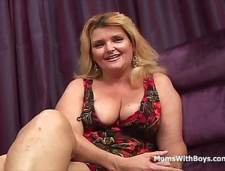 Busty mom gets anal fucked by lucky boy
