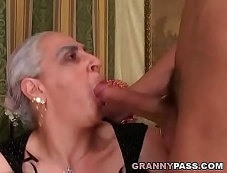 young granny loves cock in her loose fuckbox