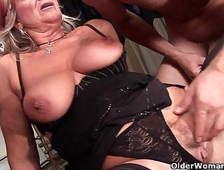 Blonde granny acquires bj and facial